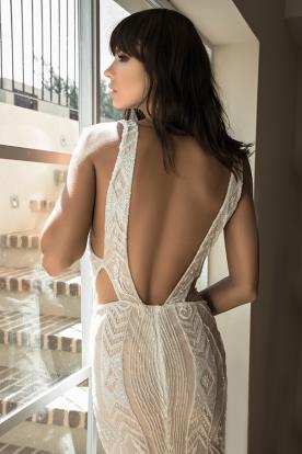 שמלת כלה בקישוט חרוזים צפופים