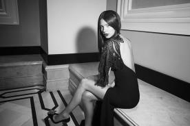 שמלת ערב עם גב חשוף ושסע עמוק