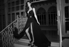 שמלת ערב מרשימה עם שסע
