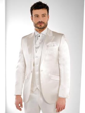 חליפה בת שלושה חלקים עם ברק