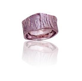 טבעת נישואין בעיצוב מיוחד