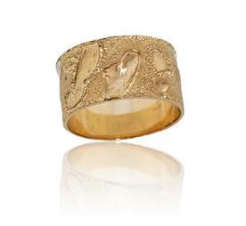 טבעת נישואין רחבה עם עיטורים