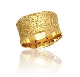 טבעת נישואין עם עיטורים מיוחדים