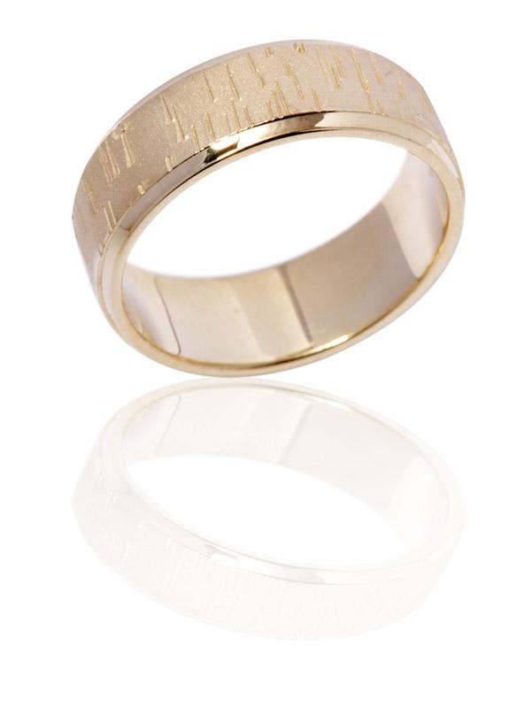 טבעת נישואין מבריקה עם דוגמא