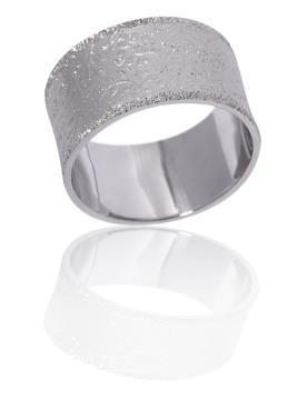 טבעת נישואין עם עיטורי עלים
