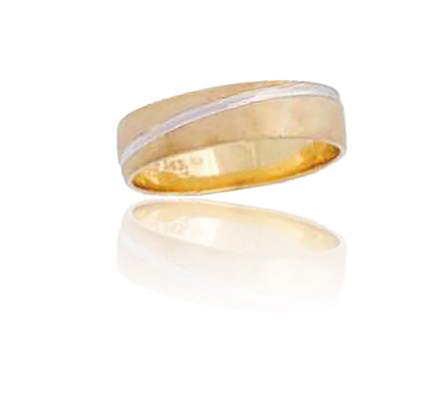 טבעת נישואין בעיטור פס זהב לבן