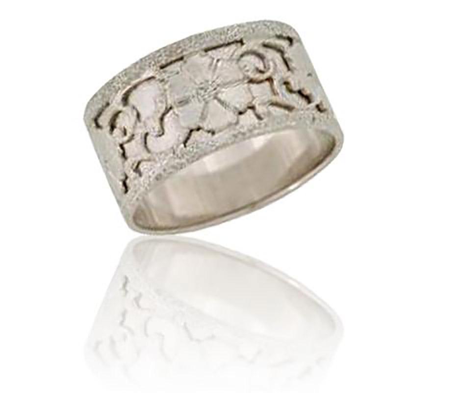 טבעת נישואין עיטור פרח מרכזי
