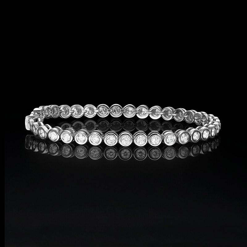 צמיד כדורים מזהב לבן עם יהלומים