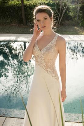 שמלת כלה בשילוב תחרה בחלק עליון