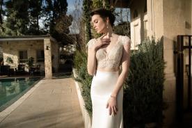 שמלת כלה עם חצאית צמודה וחלקה