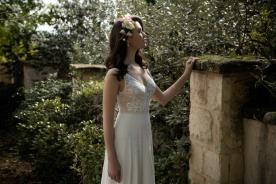 שמלת כלה עם חגורת חרוזים במותן