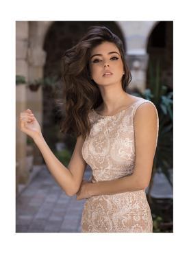 שמלת כלה תחרה בצבע ורוד קרמי