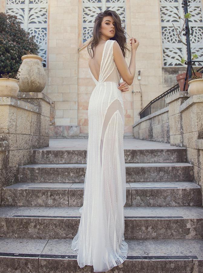 שמלת כלה מחורזת גב חשוף