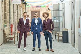 חליפת חתן: חולצה, חליפה בצבע בורדו, חליפת שלושה חלקים, מכנסיים, חליפה בגזרה ישרה, חליפה בדוגמה חלקה, חליפה בצבע כחול - ESPANOL אספניול אופנה וחתנים