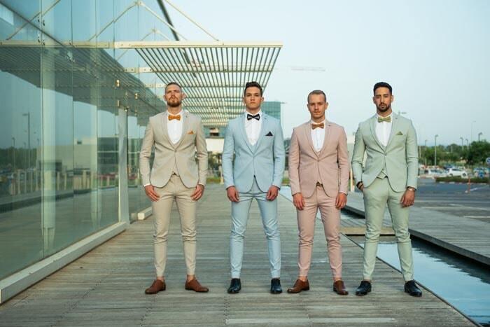 בגדי גברים במרכז