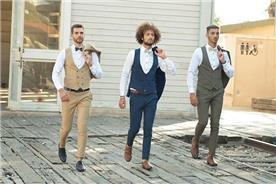 חליפת חתן: חליפה בצבע חרדל, חליפה בצבע ירוק, וסט, חליפת שלושה חלקים, חליפה בגזרה ישרה, חליפה בדוגמה חלקה, חליפה בצבע כחול - ESPANOL אספניול אופנה וחתנים