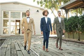 חליפת חתן: חליפה בצבע חרדל, חליפה בצבע ירוק, חליפת שלושה חלקים, חליפה בגזרה ישרה, חליפה בדוגמה חלקה, חליפה בצבע כחול - ESPANOL אספניול אופנה וחתנים