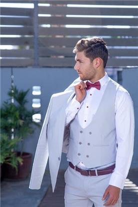 חליפת חתן: חליפת שלושה חלקים, חליפה בגזרה ישרה, חליפה בדוגמה חלקה, חליפה בצבע כסף - ESPANOL אספניול אופנה וחתנים