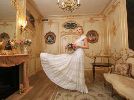 שמלת כלה - קומלטרו בגדי עור ושמלות כלה