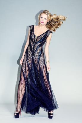 שמלת ערב תחרה נועזת מקסי