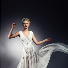 שמלת כלה רומנטית עם בד נשפך עדין