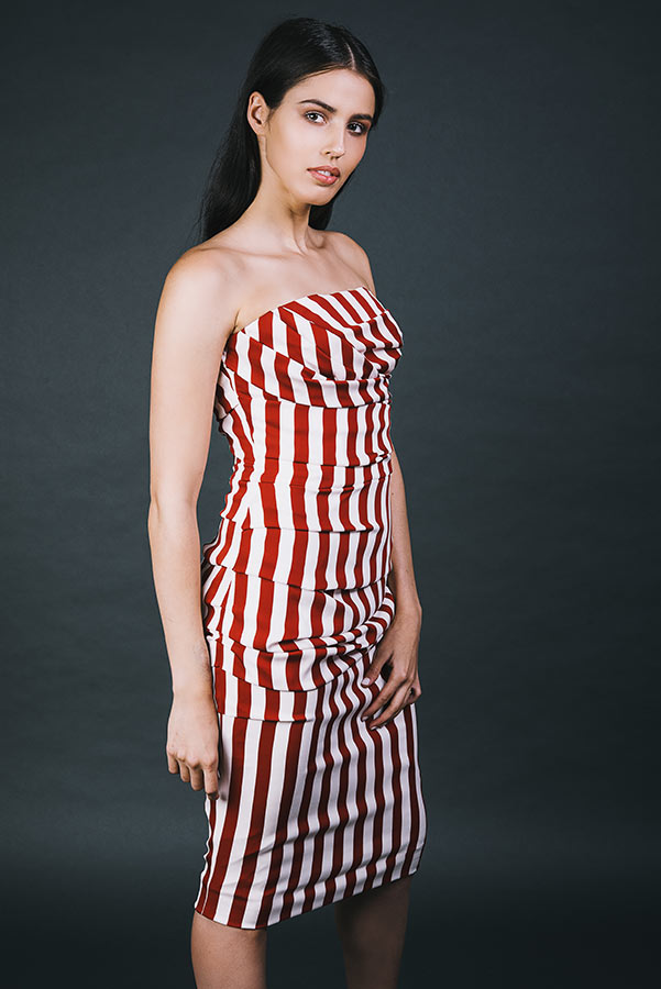 שמלת ערב צמודה סטרפלס