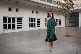 שמלת ערב אסימטרית