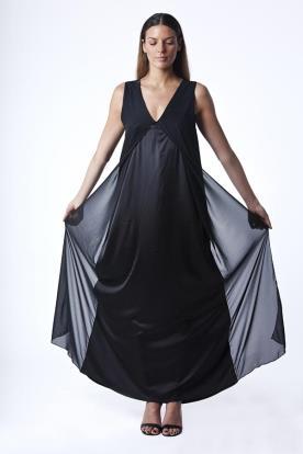 שמלת ערב שחורה עם מחשוף V