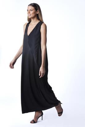 שמלת ערב שחורה בגזרה נשפכת