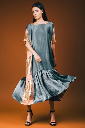 שמלה לערב עם פסים בצד