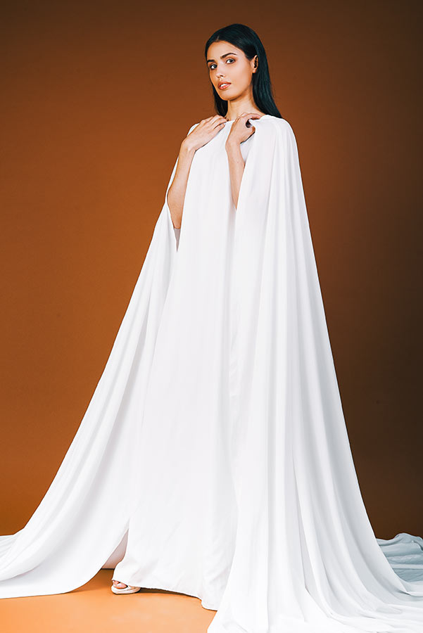 שמלת כלה צנועה עם שובל ארוך