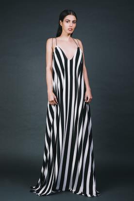 שמלת ערב חשופה עם פסים