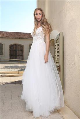 אנסטסיה שץ - עיצוב שמלות עלה