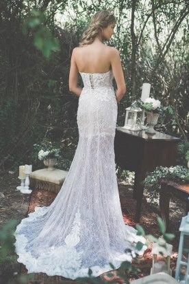 שמלת כלה גב פתוח ושובל