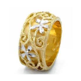 טבעת נישואין פרחים בזהב לבן