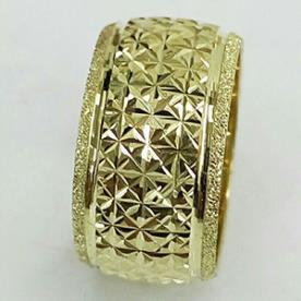 טבעת נישואין ריקועים גאומטריים