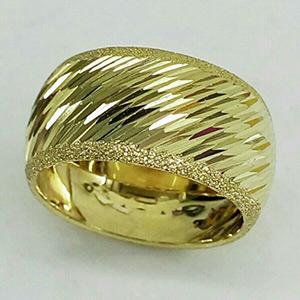 טבעת נישואין ריקועים אלכסוניים