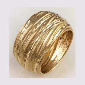 טבעת נישואין רחבה וגלית