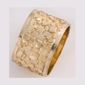 טבעת נישואין דוגמת ריבועים