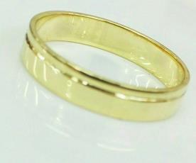 טבעת נישואין לגבר עם חריץ