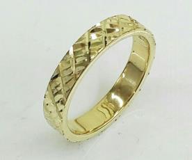 טבעת נישואין לגבר עם איקסים