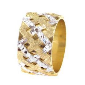 טבעת נישואין רחבה קלועה