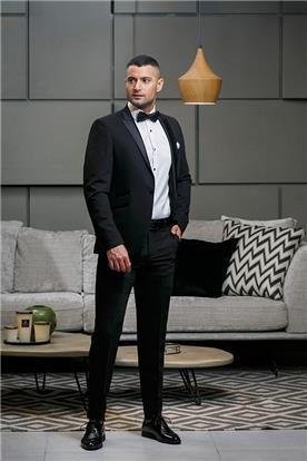 חליפת חתן: חליפת שני חלקים, חליפה בגזרה ישרה, חליפה בדוגמה חלקה, חליפה בצבע שחור - סרמוני חליפות Ceremony