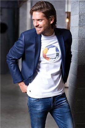 בלייזר וחולצה מעוצבים לגברים