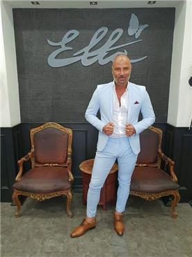 חליפת חתן: חליפה בצבע תכלת, חליפת שני חלקים, חליפה בגזרה ישרה, חליפה בדוגמה חלקה - אלה חליפות חתן