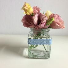 פרחים לכדים קטנים