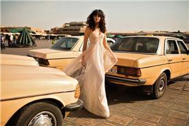 ליז מרטינז - מעצבת שמלות כלה