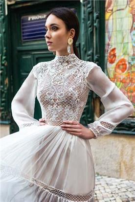 שמלת כלה: קולקציית 2019, שמלה בסגנון רומנטי, שמלה עם תחרה, שמלה עם שרוולים, שמלה בצבע לבן - A&G Wedding Dresses