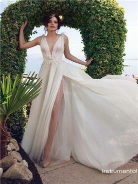 שמלת ערב עם כתפיים חשופות