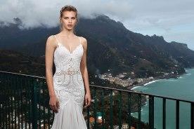 שמלת כלה של חתונה לבנה
